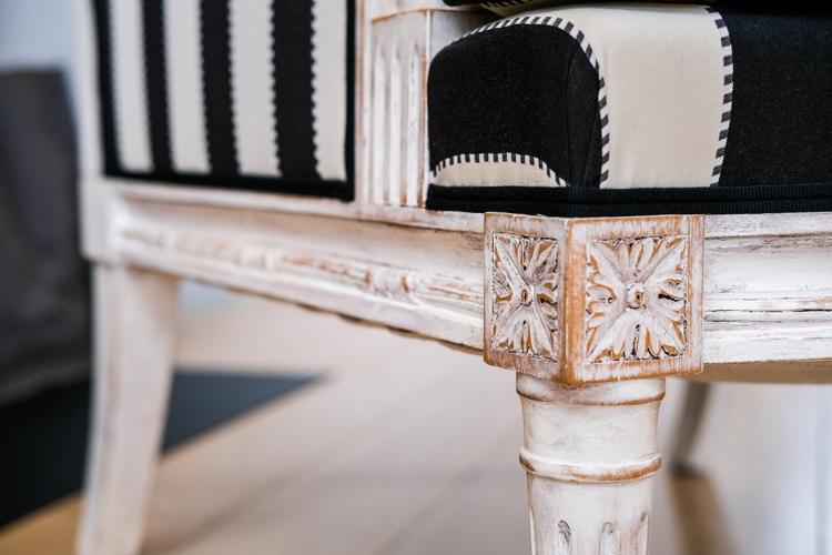 Détail fauteuil chaise bergère Louis XVI