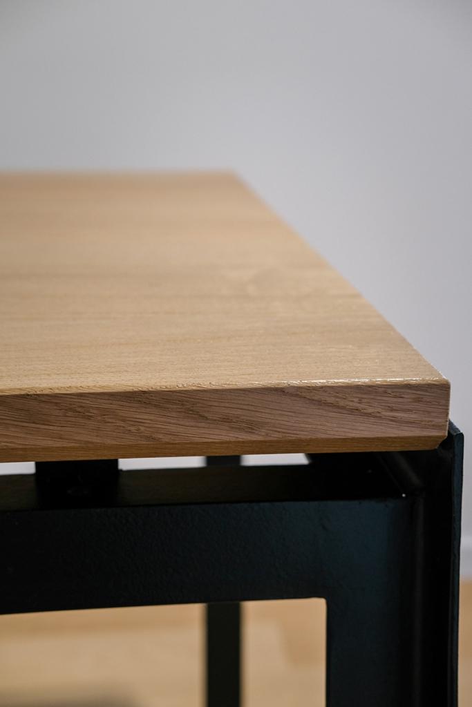 Table contemporaine design métal et chêne massif